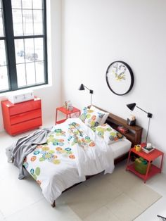 CB2's photographer shares tips for photographing your space!