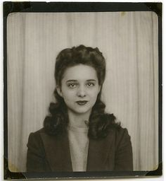 Photo Booth, 1940s