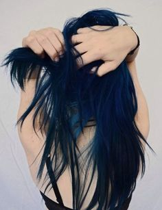 Looking for a dark blue hair color for shade and teal? See our collection full of dark blue hair color for shade and teal and get inspired! Dye My Hair, Your Hair, Pelo Color Azul, Twisted Hair, Hair Chalk, Hair Color Blue, Purple Hair, Hair Colors, Ombre Color