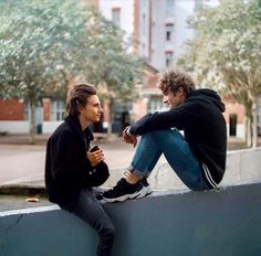 skam france lucas and elliot Cute Gay Couples, Movie Couples, Skam Isak, Isak & Even, Maxence Danet Fauvel, France Tv, Series Movies, Best Couple, Pose Reference