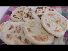YAGSIZ BAZLAMA TARİFİ(NAAN BREAD WITHOUT BUTTER AND EASY) WITH  ENGLISH  SUBTITLESS Videolu Tarif Iftar, Naan, Feel Good, Mashed Potatoes, Butter, English, Bread, Cheese, Ethnic Recipes
