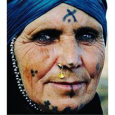 Deq… ou le tatouage kurde « Destana Azadîye