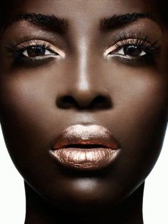 Beautiful makeup! If only I had such fantastic, glowing skin!