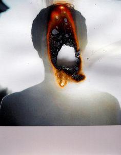 Adios,  fotografia queimada  burned photograph  10x15cm   2010