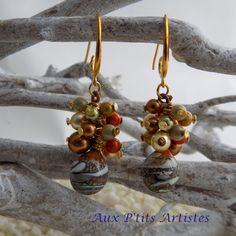 boucles d'oreilles, gouttes en verre filé cuivrée de la boutique AuxPetitsArtistes2 sur Etsy