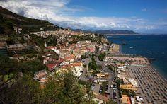 Nur über die Hauptstraße und schon ist man am Strand © Nisa Maier Amalfi, Strand, Mountains, Nature, Travel, Italy, Nice Asses, Naturaleza, Viajes