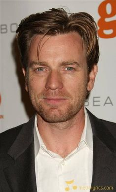 Mr Ewan McGregor, everybody. This man not only ROCKED the role of Obi Wan Kenobi, but was also the AMAZING voice of Christian in The Moulin Rouge. Now what other man has the talent to be a Jedi AND a vocalist? Most Beautiful Man, Gorgeous Men, Ewan Mcgregor Young, Ewan Mcgregor Moulin Rouge, Moulin Rouge Movie, Running To Stand Still, Jack The Giant Slayer, Losing My Religion, Scottish Actors