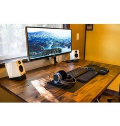 """""""Incredible setup found from @pcgaming's profile. This is such a genuine/clean setup. The first thing that caught my eye was the desk design, the brushed…"""""""