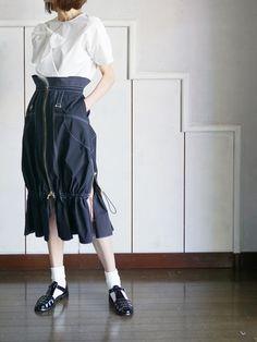 Girl Fashion, Fashion Outfits, Fashion Design, Japanese Street Fashion, How To Look Pretty, Harem Pants, High Waisted Skirt, Street Wear, Poses