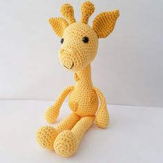 Gigi the giraffe loves kisses and hugs. With her sweet face, she steals everyone's heart. Knit Or Crochet, Crochet Crafts, Crochet Toys, Crochet Baby, Crochet Projects, Free Crochet, Crochet Giraffe Pattern, Crochet Dolls Free Patterns, Softie Pattern