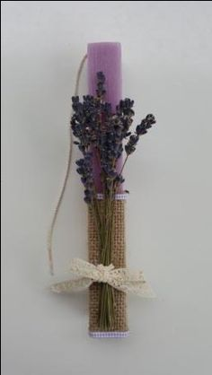 Handmade Easter Candle Easter Candle, Palm Sunday, Candels, Paper Flowers Diy, Diy Candles, Easter Crafts, Plant Hanger, Happy Easter, Decoupage