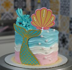 Mermaid Cupcake Cake, Mermaid Birthday Cakes, Cupcake Cakes, Tropical Party, Drip Cakes, Themed Cakes, Holidays And Events, Cake Designs, Cake Toppers