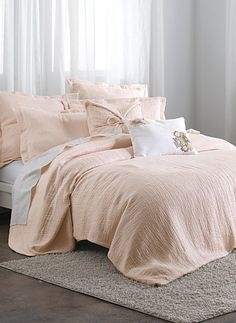 dreamy bed collection http://rstyle.me/~2s028
