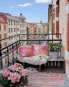 78 best little balcony furniture decor ideas for your apartment … – Small Balcony Decor Ideas Apartment Balcony Decorating, Small House Decorating, Apartment Balconies, Cozy Apartment, Decorating Ideas, Decor Ideas, Modern Balcony, Small Balcony Design, Terrace Design