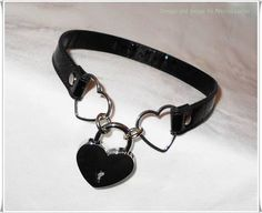 Heart Padlocked PVC/ Vinyl Vegan Leather Kawaii Heart Slave Collar - NecroLeather on Etsy Heart Shaped Necklace, Heart Choker, Estilo Dark, Goth Jewelry, Jewelry Necklaces, Gothic Necklaces, Heart Jewelry, Gothic Jewellery, Slave Collar