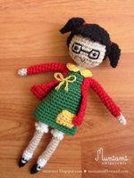 Amigurumi Chilindrina by natalianinomiya Crochet Doll Tutorial, Crochet Doll Pattern, Crochet Patterns, Crochet Doll Clothes, Knitted Dolls, Crochet Dolls, Crochet Art, Crochet Animals, Loom Knitting
