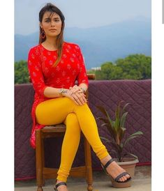 Indian Actress Hot Pics, Beautiful Indian Actress, Beautiful Saree, Desi Girl Image, Indian Girl Bikini, Bollywood Girls, Bollywood Actress, Indian Girls Images, Girls In Leggings