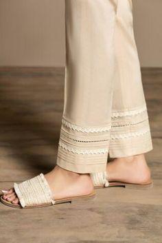 Plus Size Fashion Salwar Designs, Kurta Designs Women, Kurti Designs Party Wear, Pakistani Fashion Party Wear, Pakistani Dresses Casual, Pakistani Dress Design, Shadi Dresses, Stylish Dress Designs, Stylish Dresses For Girls