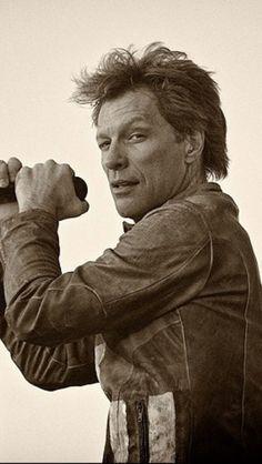HELLO!!!!!!!! Jon Bon Jovi hhhhhmmmmm
