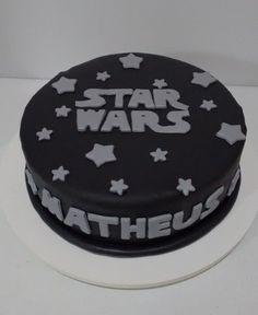 39+ Ideias de Bolo Star Wars > Sensacionais #BoloStarWars #Bolo #StarWars #FestaStarWars Bolo Star Wars, Starwars, Cake, Desserts, Food, Star Wars Party, Cake Ideas, Decorating Cakes, Tailgate Desserts