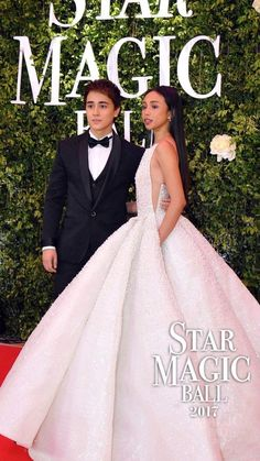 Say fierce! Maymay Entrata and Edward Barber attends the Star Magic Ball 2017 together. Source by berryavarice magic Ball gowns Debut Gowns, Debut Dresses, Prom Dresses, Star Magic Ball Gowns, Filipino Girl, Filipina Beauty, Fashion Models, Fashion Outfits, Fairytale Dress