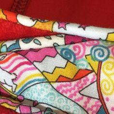 Comme promis voici enfin le tuto sur le passepoil. En espérant qu'il vous aidera à sauter le pas 😀 !Perso j'adore le passepoil : la... Techniques Couture, Creation Couture, Crochet, Patches, Sewing, Voici, Comme, Blog, Dressmaking