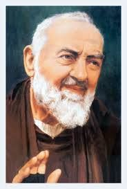 Padre Pio, modern Italian saint bandaged his hands because they bled like Christ's. Padre Pio Novena, St Pio Of Pietrelcina, Holy Art, Catholic Pictures, Praying The Rosary, Your Guardian Angel, Biblical Art, Prayer Book, Blessed Virgin Mary