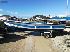 Barco 4.70 metros - à venda - Barcos, Faro - CustoJusto.pt Algarve, Outdoor Furniture, Outdoor Decor, Sun Lounger, Boat, Home Decor, Boats, Hammock Chair, Homemade Home Decor