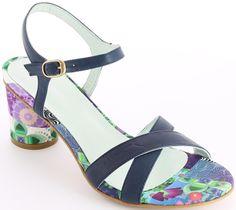 Desigual női bőr szandál | Női szandál és szling Webáruház | Desigual Webáruház | Papucs és Szandál Webáruház | Lifestyleshop.hu Sandals, Shoes, Fashion, Slide Sandals, Moda, Sandal, Shoes Outlet, Fashion Styles, Shoe