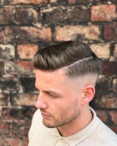 Barber Haircuts, Cool Haircuts, Haircuts For Men, Trending Hairstyles For Men, Mens Hairstyles With Beard, Beard Styles For Men, Hair And Beard Styles, Old School Hairstyles, Bart Trend