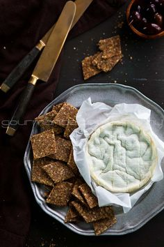 homemade flax and hemp seed crackers | grain-free and gluten-free via GourmandeInTheKitchen.com