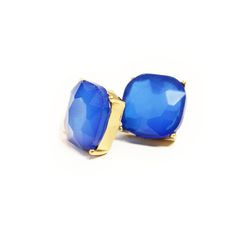 These cobalt blue studs are perfect for summer! Only $5 at https://tavery.tuvousfashion.com! @tuvousboutique