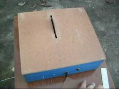Gambiarras Maravilhosas: Mini Serra Circular de Bancada Mini Serra Circular, Hacks Diy, Table, Garage Workbench, Electric Power Tools, Tables, Desk, Tabletop, Desks