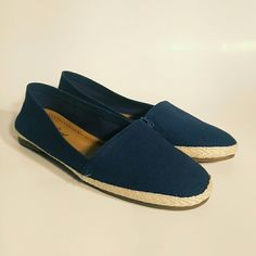 SALELucky Brand Navy Flats Comfortable textile shoes for casual days. Brand new and in perfect condition. Lucky Brand Shoes Flats & Loafers