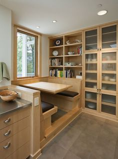 Make your kitchen feel like a restaurant with these booths Contemporary Kitchen booths feel Kitchen Restaurant Kitchen Booths, Kitchen Nook, New Kitchen, Timber Kitchen, Kitchen Banquette, Kitchen Seating, Kitchen Tables, Dining Tables, Dining Set