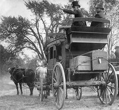 Stage Coach with luggage Horse Wagon, Horse Drawn Wagon, Cowgirls, Gaucho, Old West Photos, Old Wagons, Into The West, Covered Wagon, Chuck Wagon