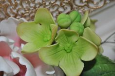 GUMPASTE HYDRANGEA WITh STEM by Eman20 on Etsy, $14.95