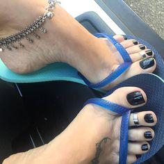 Only sexy feet Nice Toes, Pretty Toes, Feet Soles, Women's Feet, Jamel Shabazz, Black Toe Nails, Black Nail, Long Toenails, Beautiful Toes