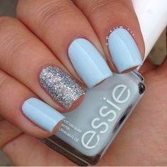 Blue nails. Glitter. Essie Polish. Polishes. Nail art. Nail design.