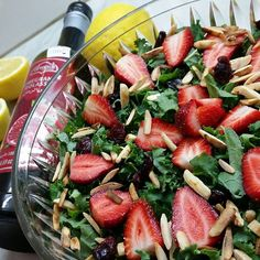 For the perfect #Sunday lunch!  Kale with Strawberries & roasted almonds with Al Wadi Al AKhdar Pomegranate Molasses!   #kale #strawberries #cranberries #almonds #alwadi #alwadialakhdar #pomegranatemolasses!  Have a great day dearest friends   #lebanesechef #thelebanesefoodies #lebanon #lebanoneats #whatsuplebanon #beirut #beirutfood #fresh #delicious #yummy #salad Pomegranate Molasses, Pomegranate Juice, Roasted Almonds, Beirut, Savoury Dishes, Cranberries, Lebanon, Fruit Salad, Kale