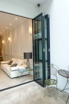 Steel bifold folding doors / side return extension