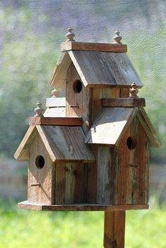 Diy bird house & bird feeder plans that will make your garden perfect 18 Bird Feeder Plans, Bird House Feeder, Diy Bird Feeder, Bird House Plans, Bird House Kits, Birdhouse Designs, Birdhouse Ideas, Bird Houses Diy, Homemade Bird Houses