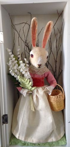 Spun Cotton Rabbit Easter shadow box by Maria Paula by spuncotton Year Of The Rabbit, Doll House Crafts, Rabbit Art, Found Art, Paperclay, Vintage Easter, Cloth Bags, Holiday Ornaments, Vintage Postcards