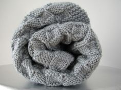 knitted blanket by Tricotaria