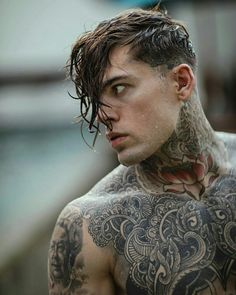It is better to fail in originality, than to succeed in imitation Tattoo Model Mann, Tattoo Models, Heather Moss, Hot Guys Tattoos, Girl Tattoos, Bodysuit Tattoos, Sailor Tattoos, Tatoos, Butterfly Girl