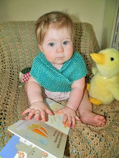 My Cedar baby needed a new shawl to wear to match those baby blues. And so, here is my latest creation! This beautiful shawl is designe. Baby Cardigan Knitting Pattern, Knitting Patterns, Knitting Ideas, Knitting For Kids, Baby Knitting, Baby Needs, Baby Patterns, Baby Blue, Shawl