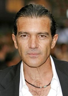 Antonio Banderas latest hairstyle  antonio banderas longhairstyle of old times is famous in spain up-till now  Mrs.Antonio Banderas lates...