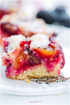 Coconut and Plum Cake Single Layer Cakes, Plum Cake, Cheesecake, Coconut, Cooking Recipes, Sweets, Baking, Desserts, Food