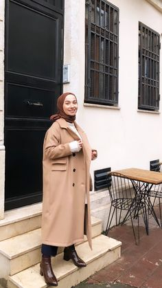 Hijab Fashion Inspiration, Style Inspiration, Poetry Wallpaper, Special Pictures, Fashion Outfits, Womens Fashion, Beautiful Women, My Style, Coat