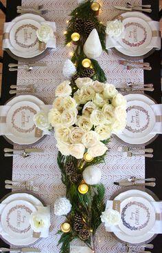 Christmas Tablescape Ideas Classic Christmas Tablescape Ideas #ChristmasTablescape Ideas - more on Home Bunch vlog